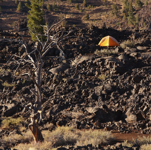 2016-10-16-blog-yellowstone-roadtrip-craters-of-the-moon-tent