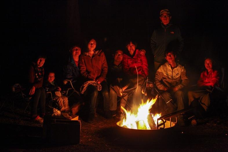 2016-10-16-blog-yellowstone-roadtrip-campfire