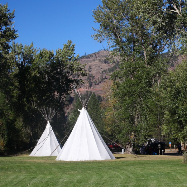 2016-10-16-blog-yellowstone-roadtrip-tipi